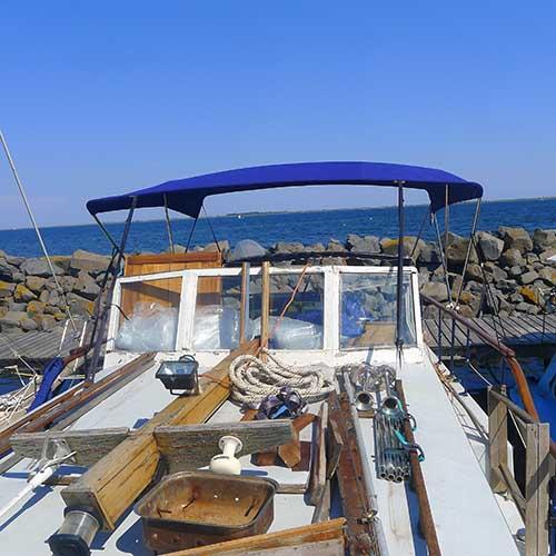 taud de bateau bleu en tissu