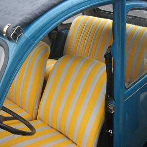 intérieur de 2ch en tissu jaune et blanc